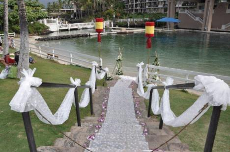 The Hilton Waikoloa Village Lagoon Prepped for a Wedding
