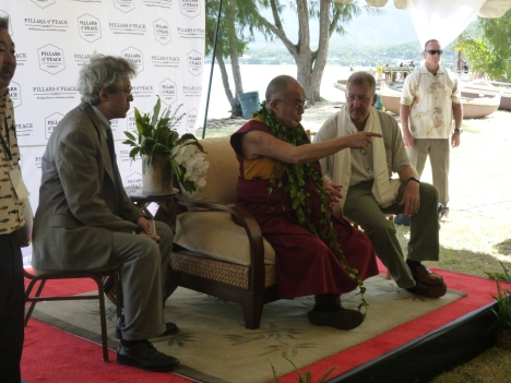 His Holiness at Kualoa Park 175
