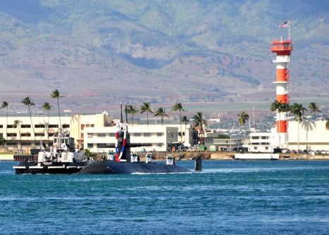 USS Buffalo (SSN 715) arrives at her new homeport, Joint Base Pearl Harbor-Hickam, Jan. 18. (U.S. Navy photo by Mass Communication Specialist 2nd Class Steven Khor)