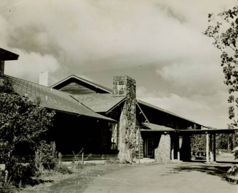 The Volcano House in 1947, a historic landmark overlooking Kīlauea Crater, east side. NPS Photo