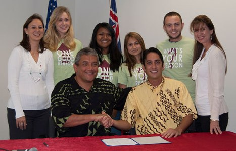 Representatives from the Coalition for Tobacco-Free Hawai'i and Kealakehe High School students who advocated for the measure joined Mayor Billy Kenoi and Councilman Dru Mamo Kanuha for a ceremonial signing of Bill 135.