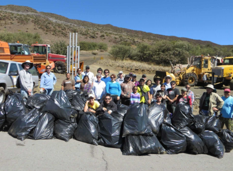 Volunteers work to help Malama Maunakea along with Office of Mauna Kea Management